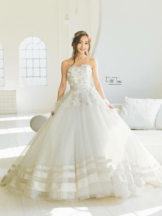 板野友美さんプロデュースのウエディングドレス