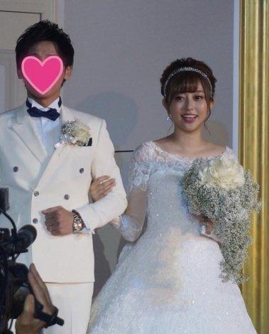 菊地亜美さんと一般男性
